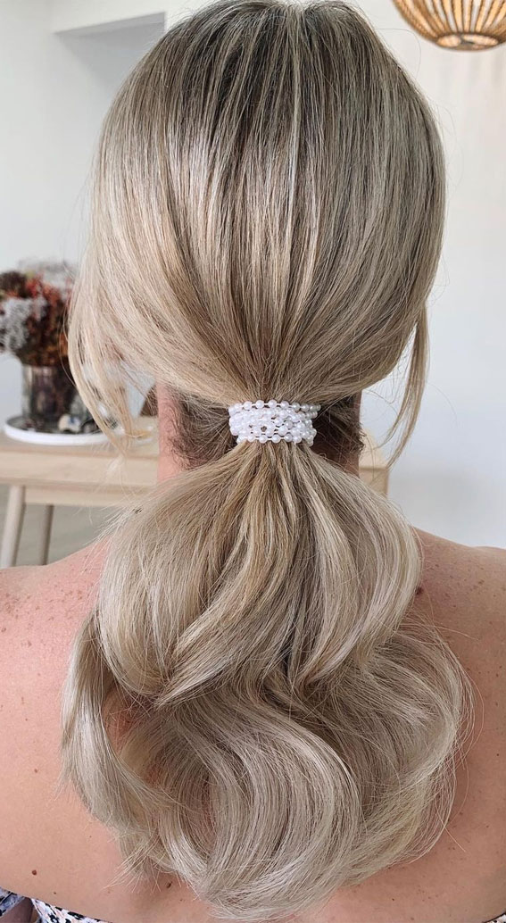 High And Low Ponytails For Any Occasion : PEARLY PONY