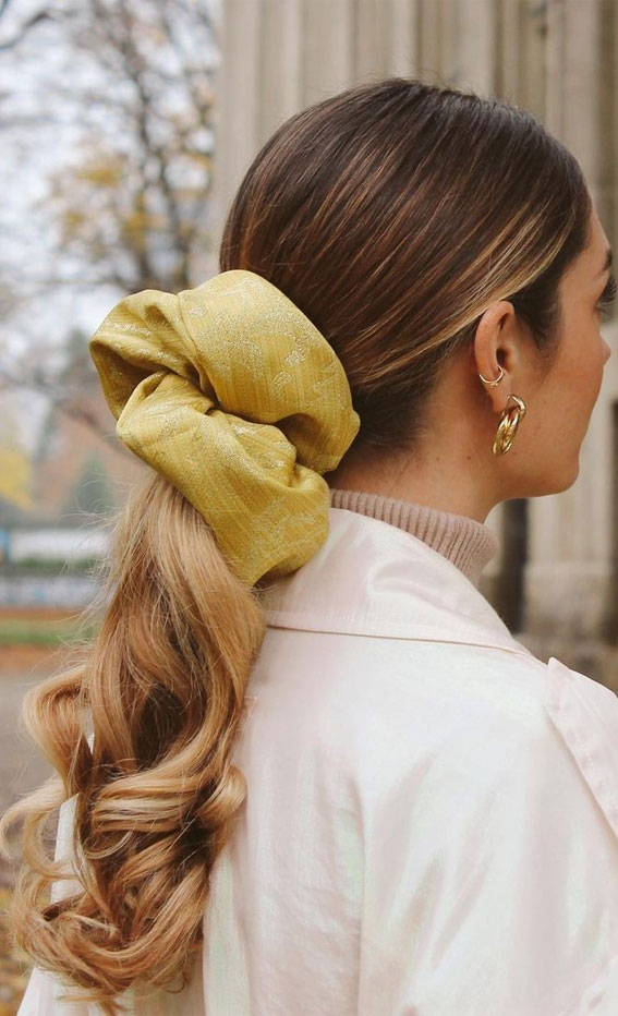 High and Low Ponytails For Any Occasion : Big Scrunchie