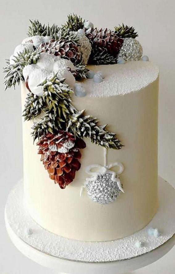 Winter Cake Ideas Must Try This Winter Season : Pinecone Christmas Cake