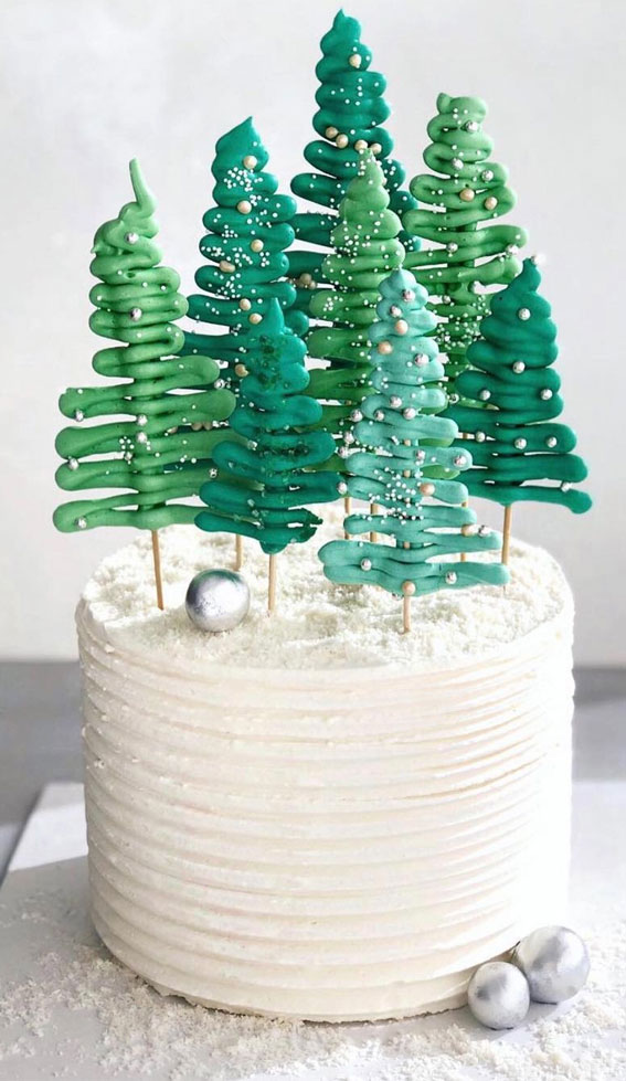 Winter Cake Ideas Must Try This Winter Season : Simple Buttercream Winter Cake