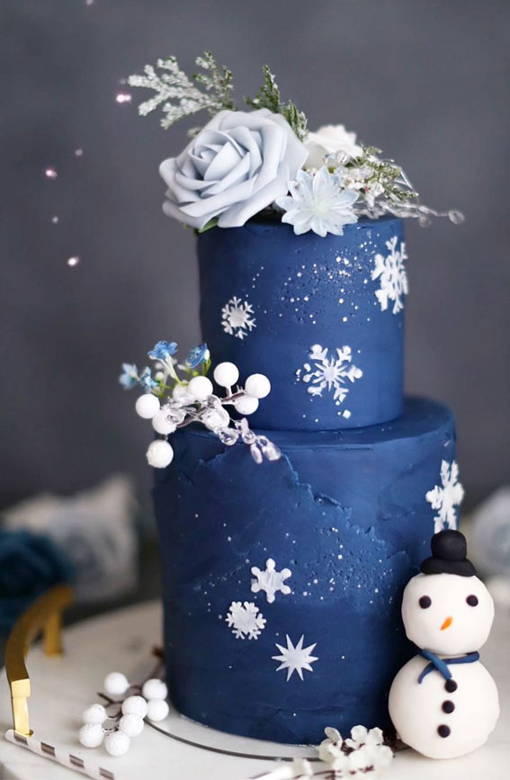 Winter Cake Ideas Must Try This​ Winter​ Season : Navy blue winter cake