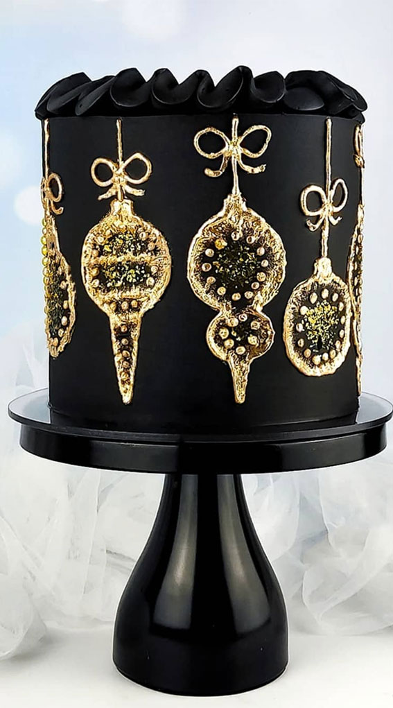 Winter Cake Ideas Must Try This Winter Season : Gold Christmas Ornaments