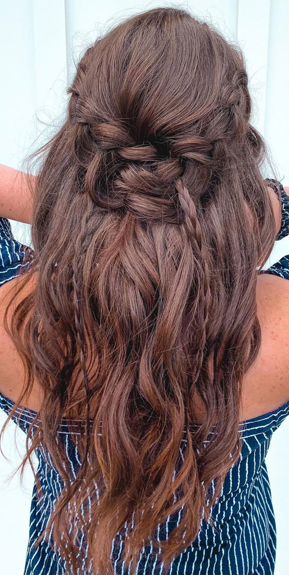 44 Beautiful Ways to Wear Braids This Season : Unique half up with braids