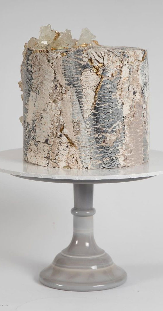 Pretty Cake Ideas For Every Celebration : cake with marble effect