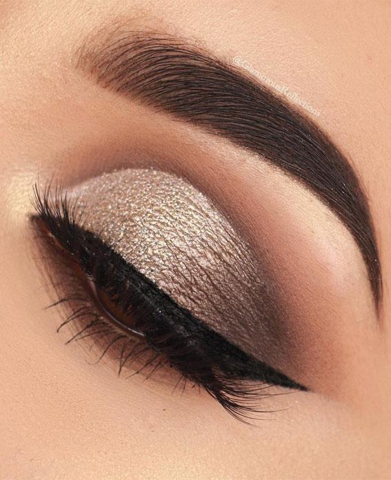 Best Eye Makeup Looks For 2021 : Gold lit metals