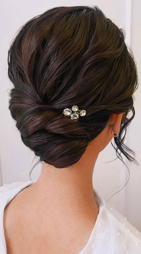 Updo Hairstyles For Your Stylish Looks In 2021 : Textured hair do