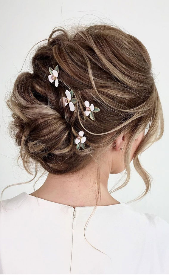 Updo Hairstyles For Your Stylish Looks In 2021 : Effortless messy updo