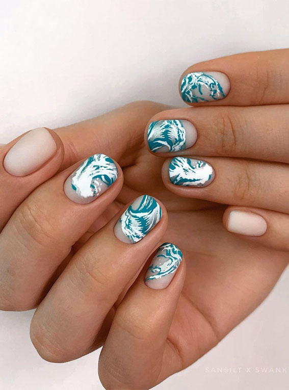 Cute Spring Nails That Will Never Go Out Of Style : Green ocean wave nails