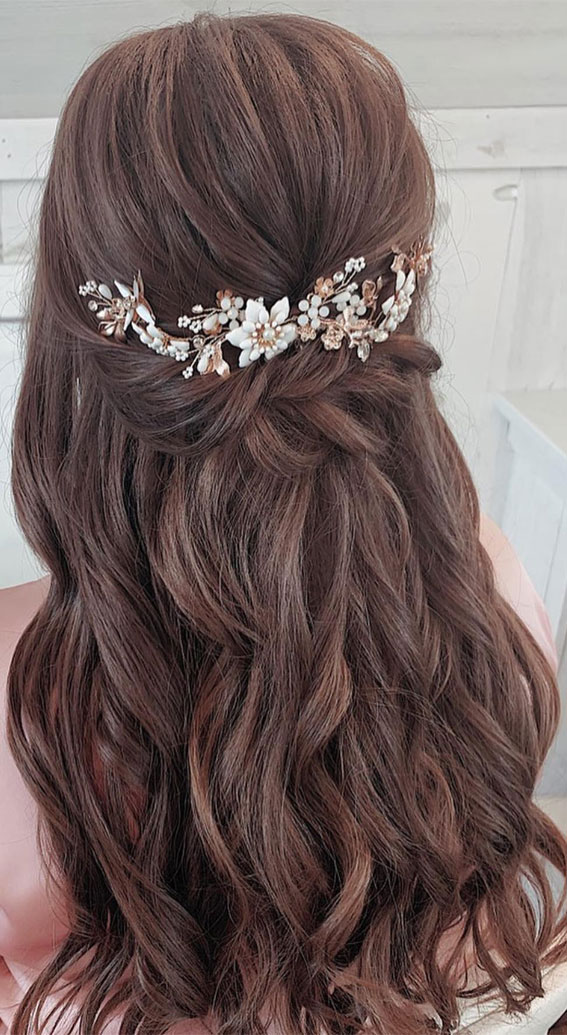 Half Up Hairstyles That Are Pretty For 2021 : Loose Braided Half up