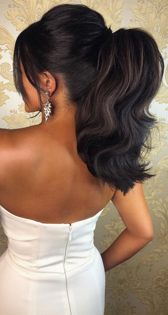 High And Low Ponytails For Any Occasion : High Flirty Power Ponytail