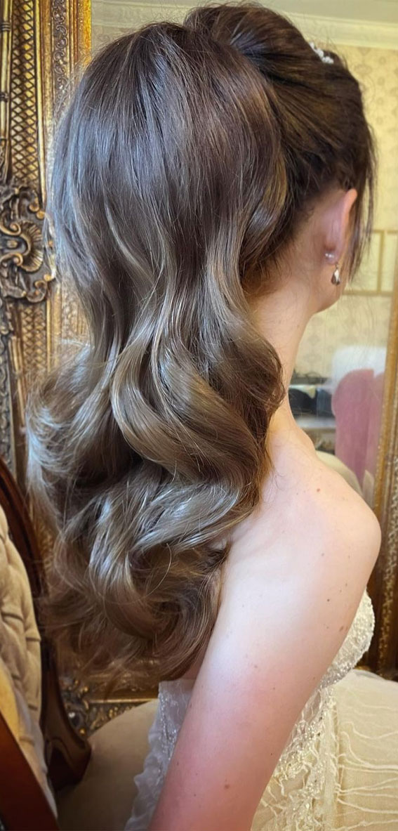 High And Low Ponytails For Any Occasion : Bouncy Bridal Ponytail