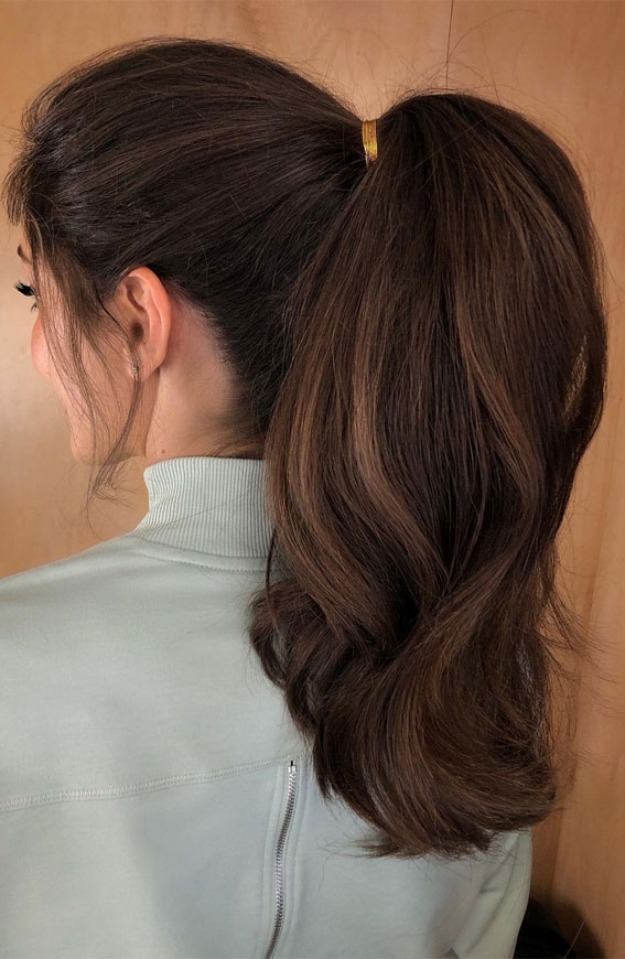 High And Low Ponytails For Any Occasion : power pony strikes