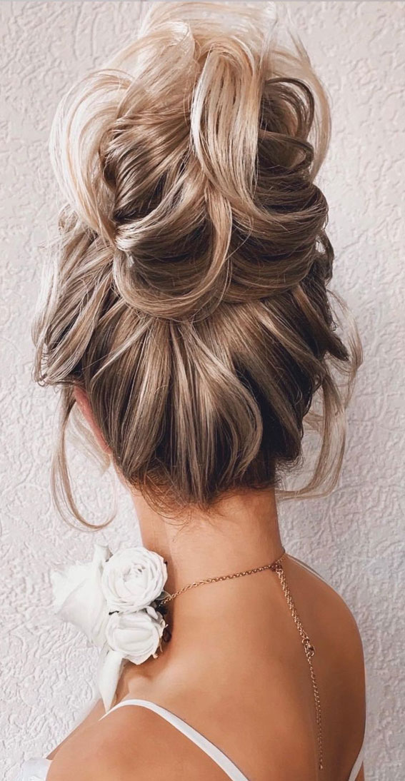 top knot, high bun hairstyle, messy updo, wedding updo, updo, bridal updo, updo hairstyles , updo hairstyle ideas 2021, updo trends, updo for medium hair length