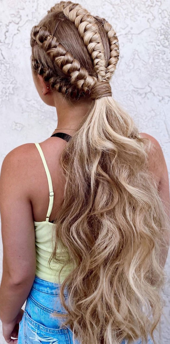 Cute braided hairstyles to rock this season : Power ponytail with double knots