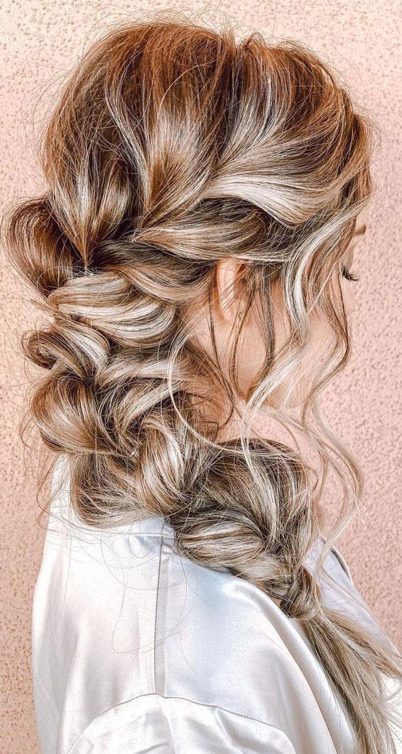Cute braided hairstyles to rock this season : Messy Single Side Braid