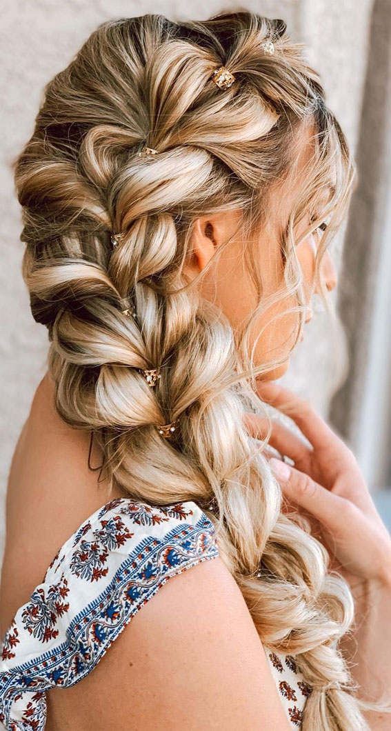 pull through side braid, easy braided hairstyles, braided hairstyles for short hair, braided hairstyles, braids hairstyles for school girls, braids hairstyles 2021, braid hairstyles, french braid hairstyles, fishtail braided hairstyle, braided half up, bun and braided hairstyle