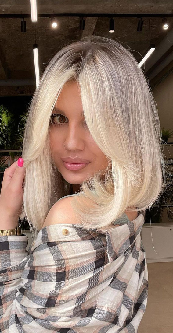 Trendy Hairstyles & Haircuts with Bangs – Light Blonde lob haircut