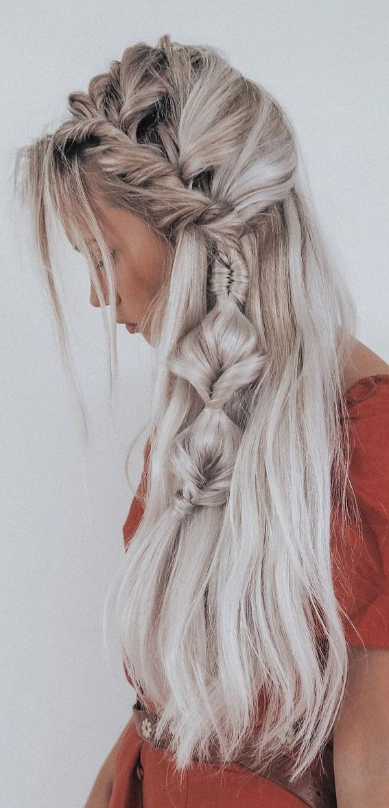 Cute braided hairstyles to rock this season : Textured braid and loose infinity braid