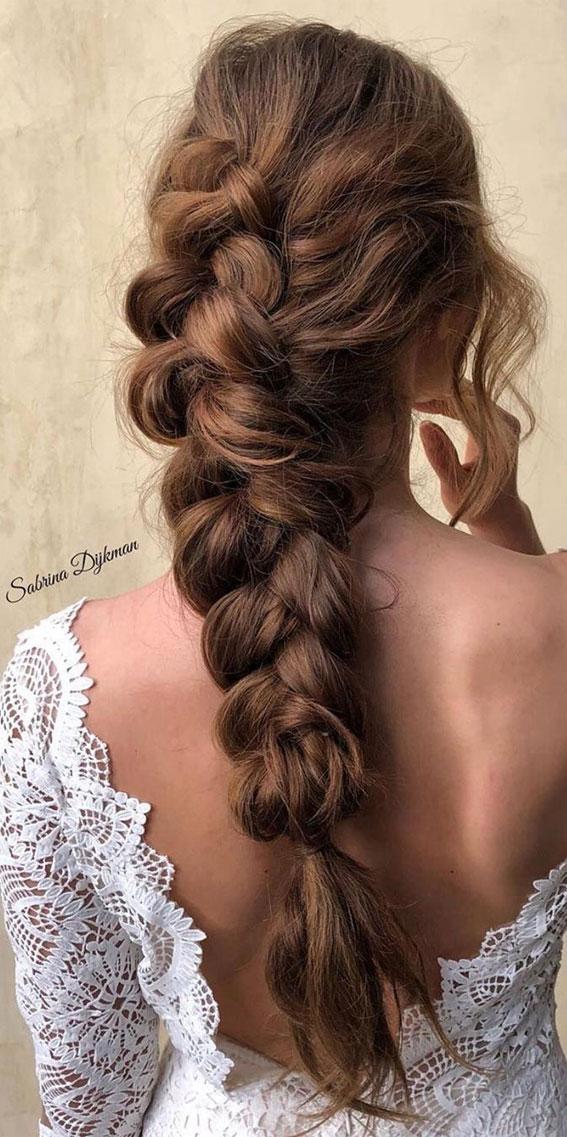 Cute braided hairstyles to rock this season : Boho braid for brunette