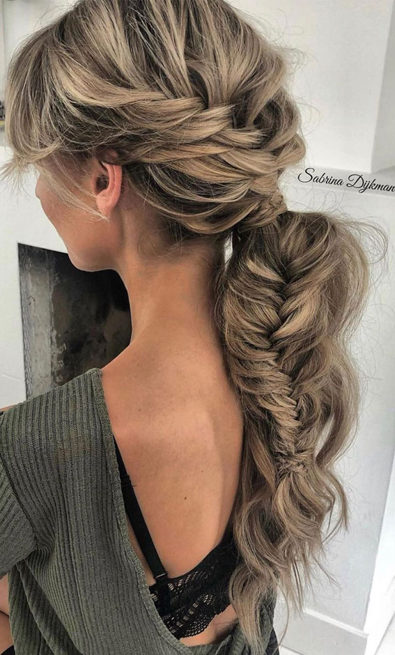 Cute braided hairstyles to rock this season : Loose braid turns to ponytail & fishtail