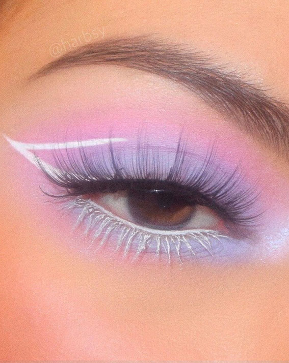 Latest Eye Makeup Trends You Should Try In 2021 : Lavender & White Graphic Line