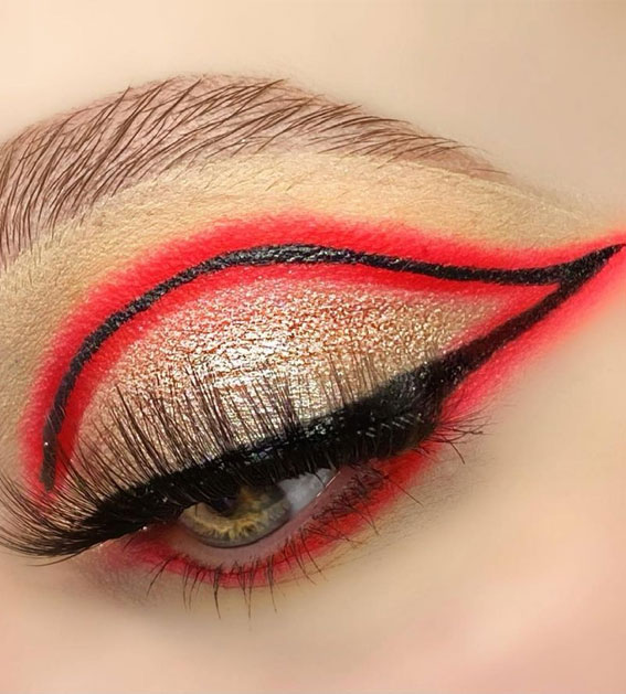 Latest Eye Makeup Trends You Should Try In 2021 : Golden Shadow with Red Graphic Line