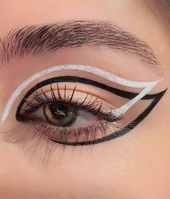Latest Eye Makeup Trends You Should Try In 2021 : Black and White Graphic Look