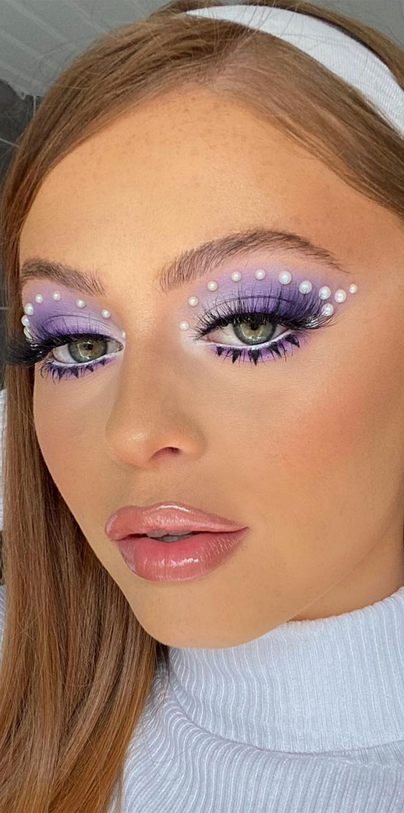 Creative Eye Makeup Art Ideas You Should Try : Pearl 60s vibes