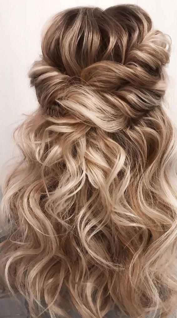 Trendy Half Up Half Down Hairstyles : Volume Textured half ups