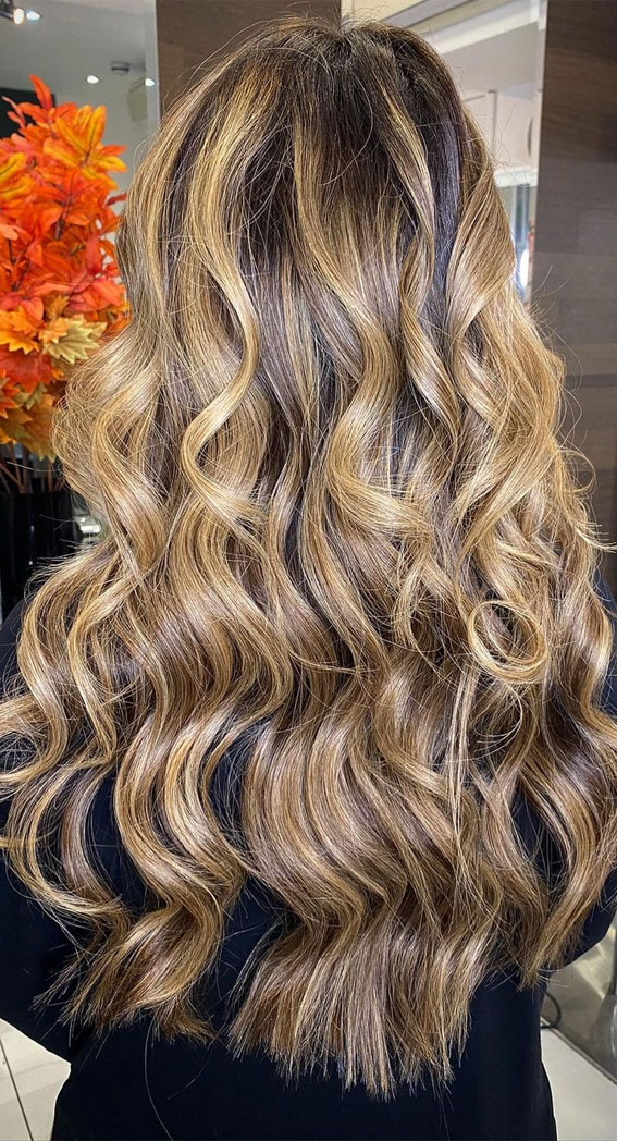 49 Gorgeous Blonde Highlights Ideas You Absolutely Have to Try : Dark Butter Blonde with Waves