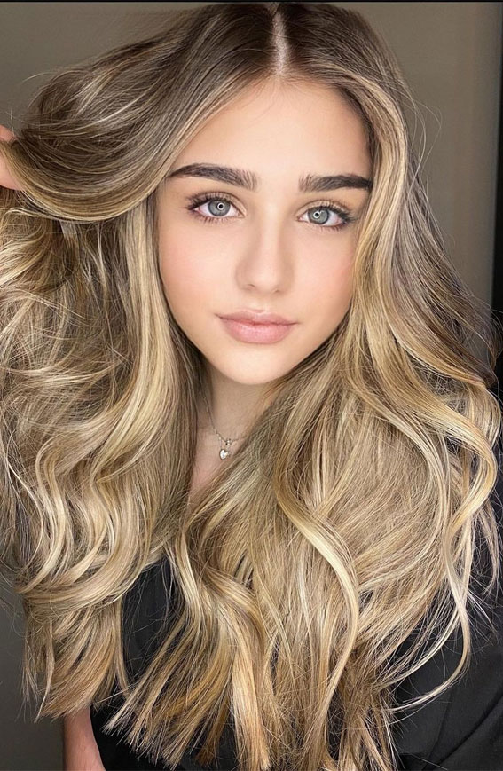 49 Gorgeous Blonde Highlights Ideas You Absolutely Have to Try : Golden Beige Blonde Dreamy