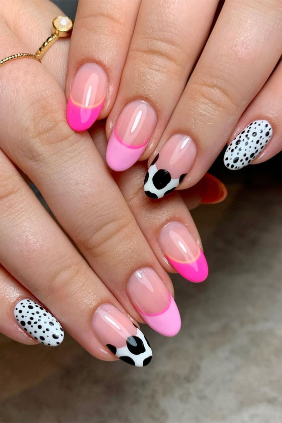 mismatched animal print french tips, mismatched animal print tip nails ,mix nails design, mix match nail designs, mix match nails, mismatched nails 2021, multi colored nails trend 2021, mix and match nail colors, mix and match acrylic nails, mix and match animal print nail art