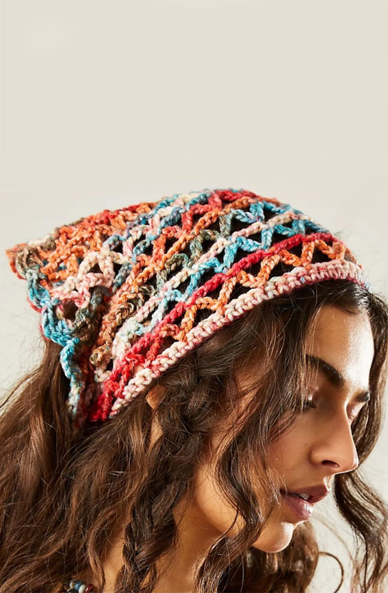 39 Trendy ways to wear a head scarf : The Triangle Crochet