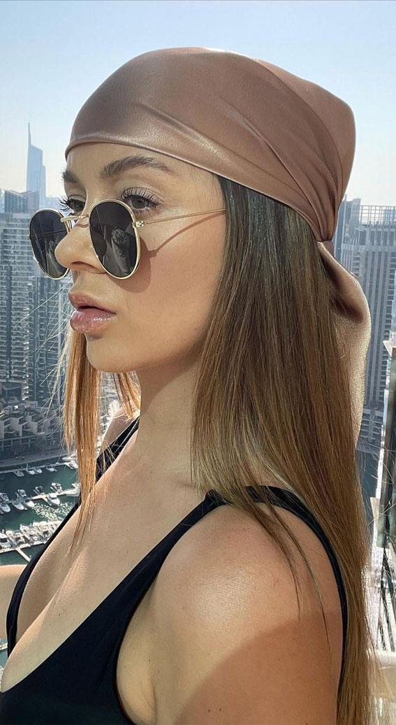 39 Trendy ways to wear a head scarf : Simple and stylish brown head scarf