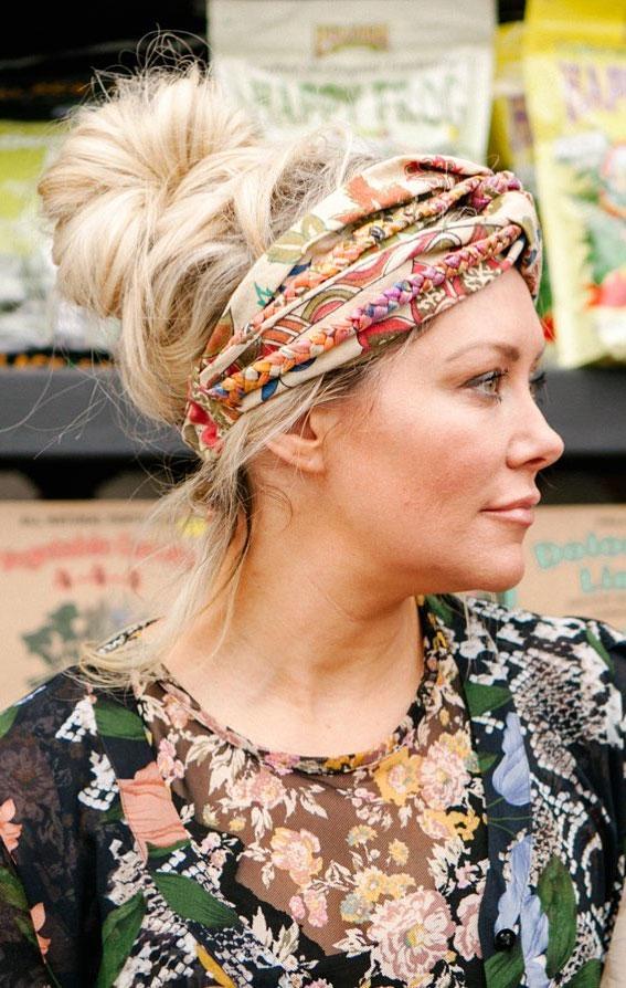 39 Trendy ways to wear a head scarf : High Bun & Head Scarf