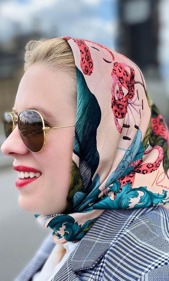 39 Trendy ways to wear a head scarf : The Queen Head Scarf Style