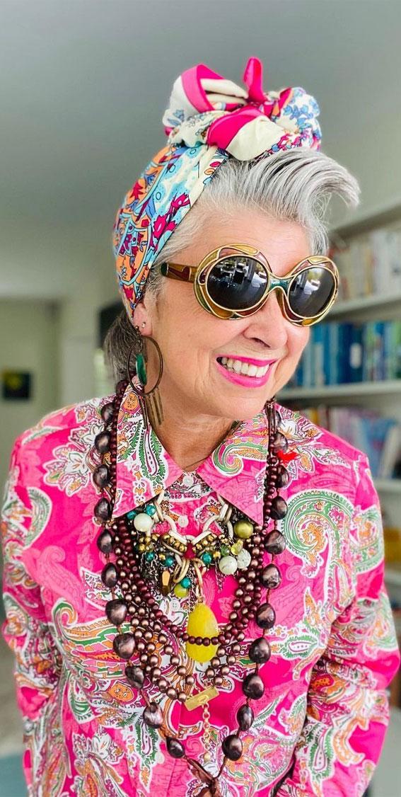 39 Trendy ways to wear a head scarf : 90s Vintage Shirt & Pink Head Scarf