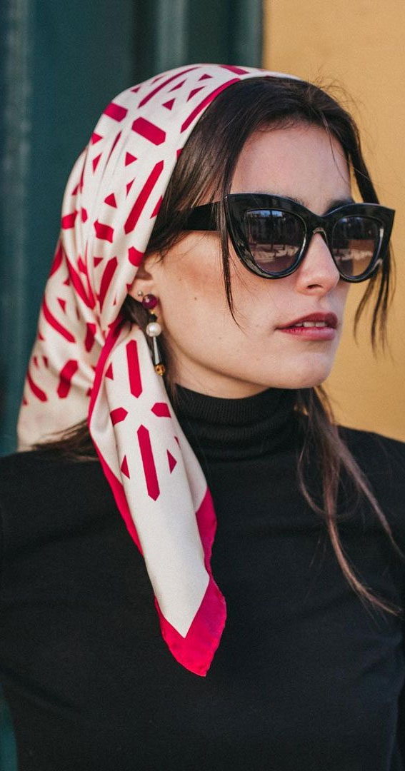 39 Trendy ways to wear a head scarf : Beige and Red Head Scarf