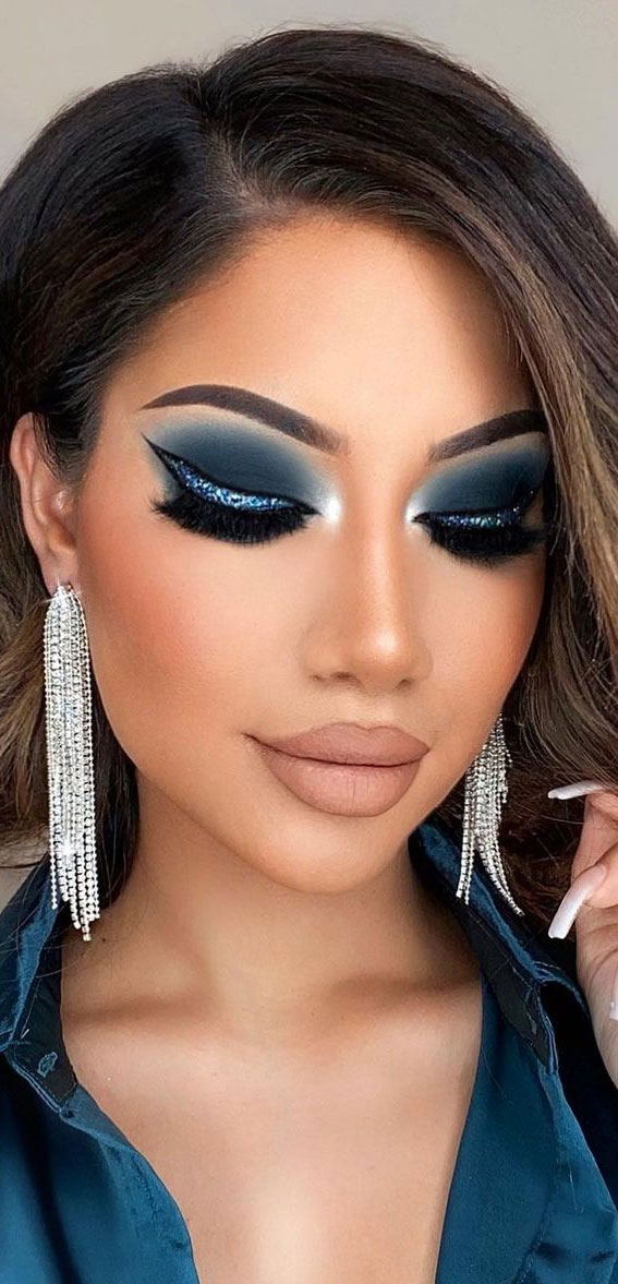 Creative Eye Makeup Art Ideas You Should Try : Glam in Blue & Glittery Look