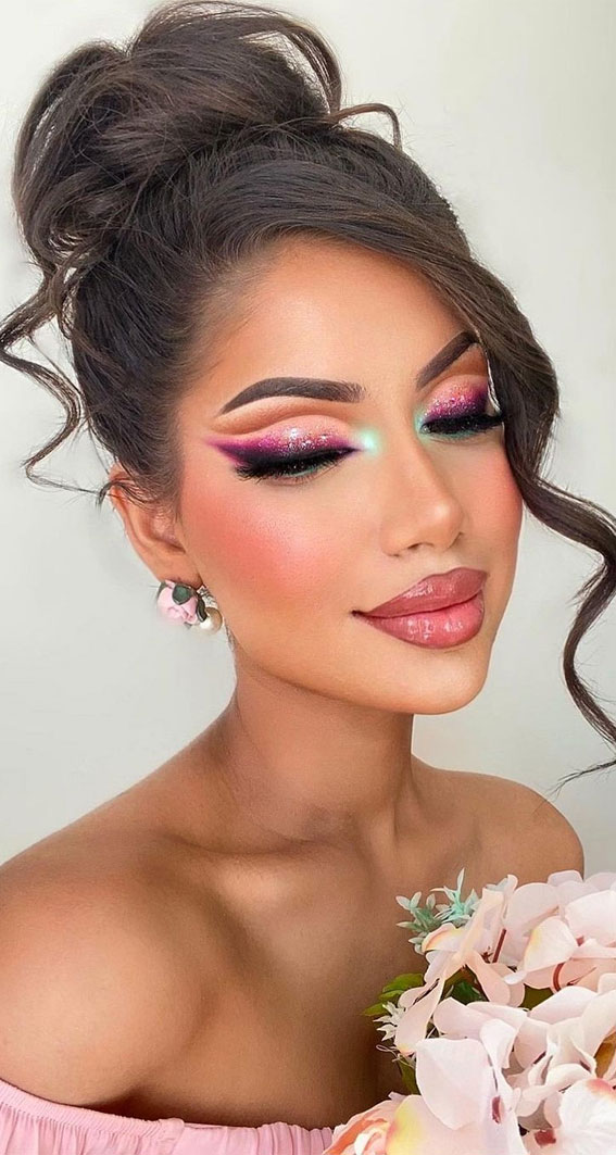 Creative Eye Makeup Art Ideas You Should Try : Cut Crease and Pink Glitter Makeup Look
