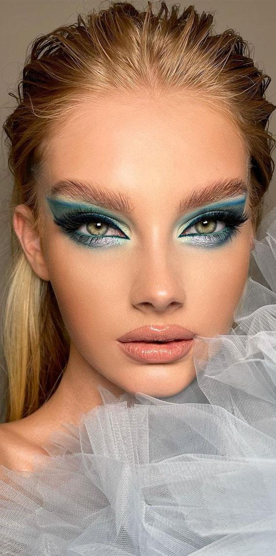 Creative Eye Makeup Art Ideas You Should Try : Fantasy Icy Blue Eye Makeup Look