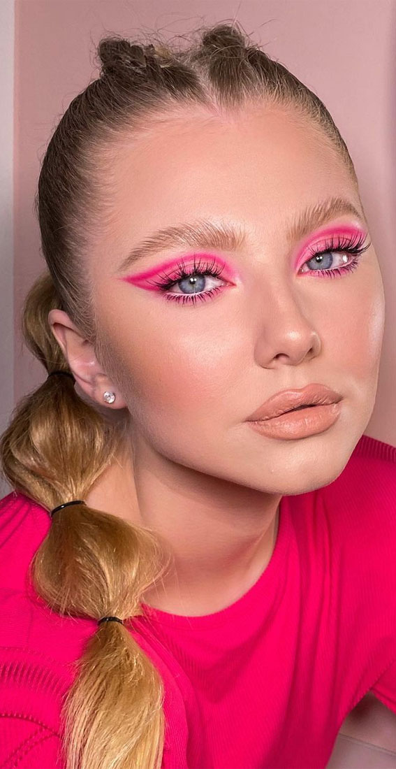 Creative Eye Makeup Art Ideas You Should Try : Eye Makeup in Hot Pink & Graphic Lines