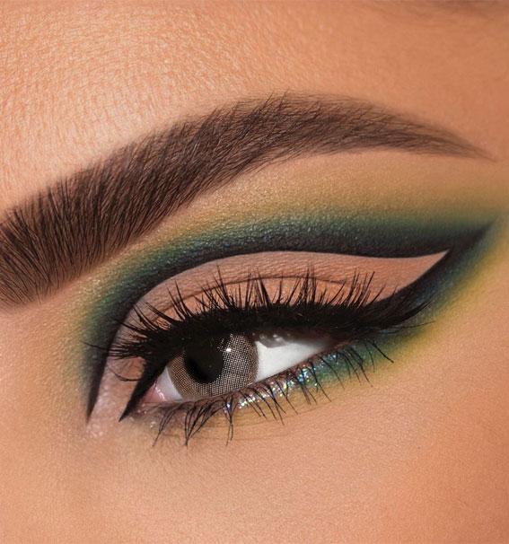 Creative Eye Makeup Art Ideas You Should Try : Dark Green & Neutral Makeup Idea