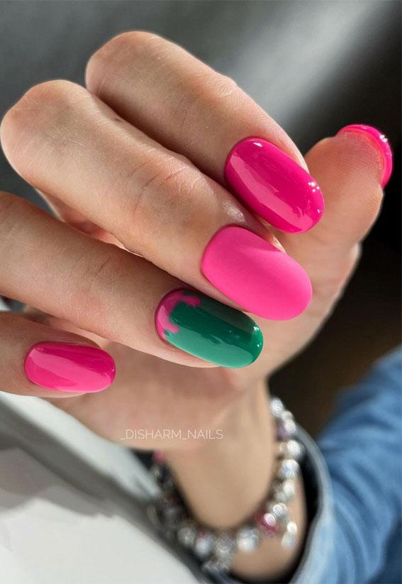 dark pink nails, green and pink nails, green nail with pink drips, oval shaped nails, dark pink oval shaped nails, dark pink nails