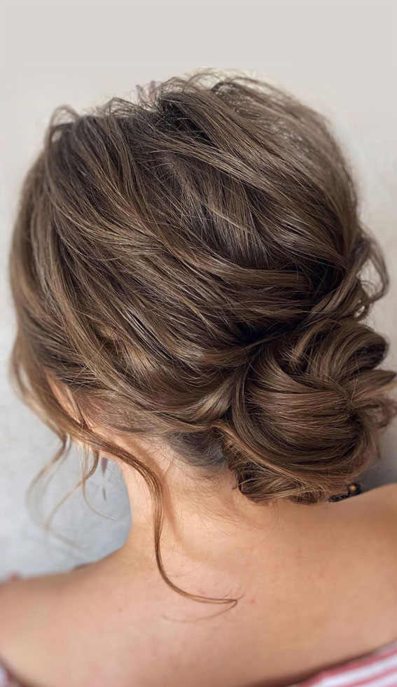 32 Classy, Pretty & Modern Messy Hair Looks : Pretty brunette textured messy bun