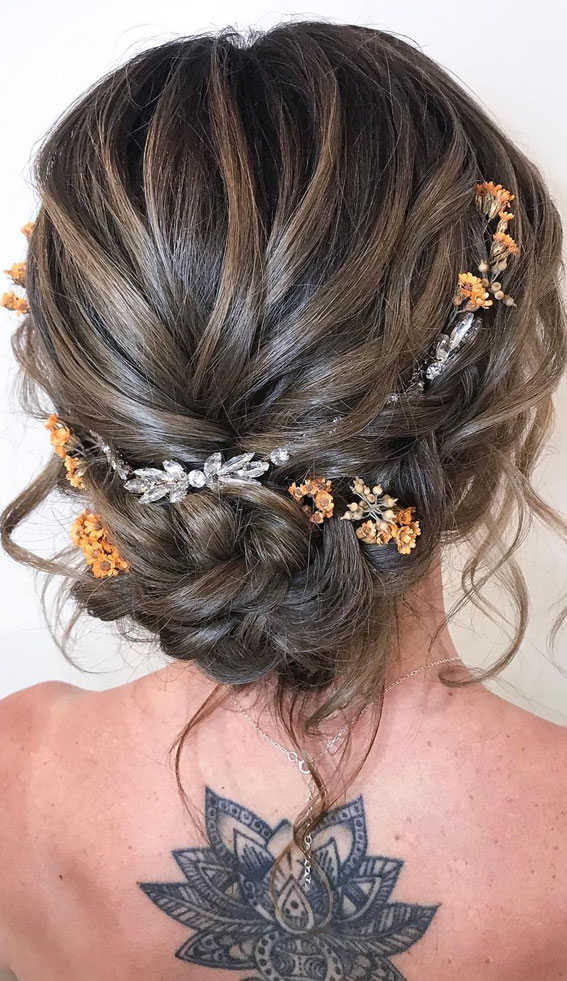 32 Classy, Pretty & Modern Messy Hair Looks : Messy Loose Braid Updo with Flowers