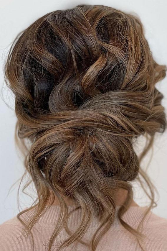 32 Classy, Pretty & Modern Messy Hair Looks : Pretty, loose, undone updo