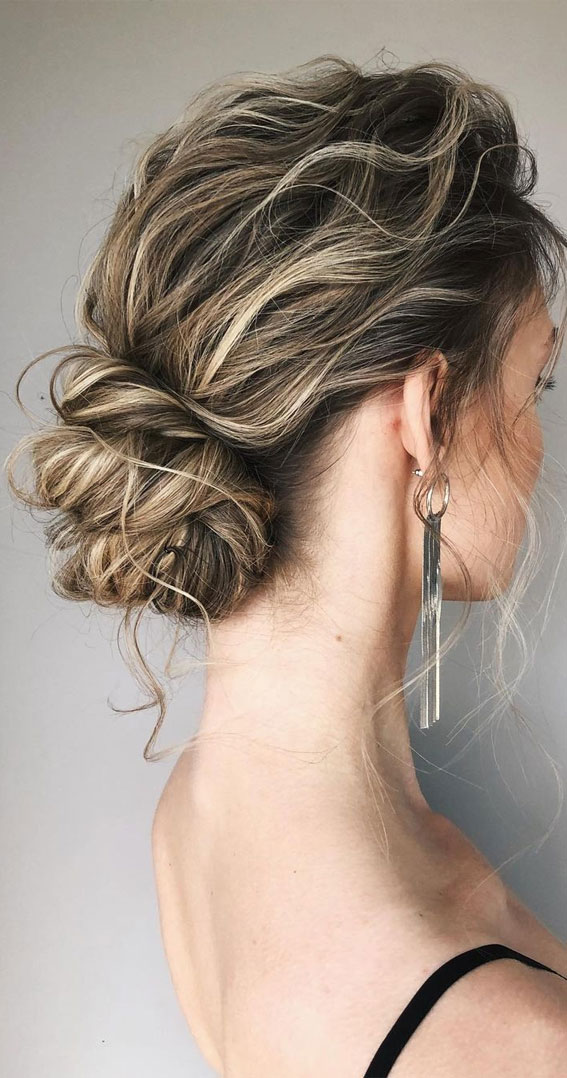 32 Classy, Pretty & Modern Messy Hair Looks : Stunning Textured Low Bun