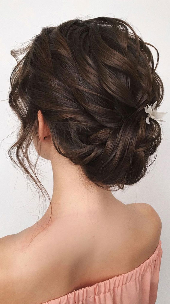 32 Classy, Pretty & Modern Messy Hair Looks : Texture and Classy Updo