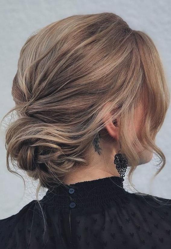 32 Classy, Pretty & Modern Messy Hair Looks : Effortless & Romantic Messy Updo
